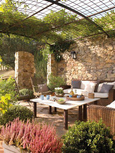 outdoor dining area with stone walls Home Pinterest Bajos - jardines en terrazas