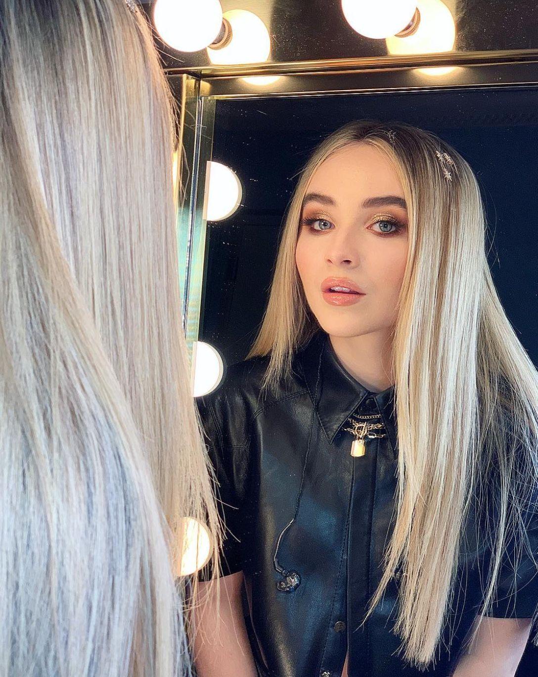 2018 Sabrina Carpenter Make- Artist Kelsey Deenihan Chicago Il