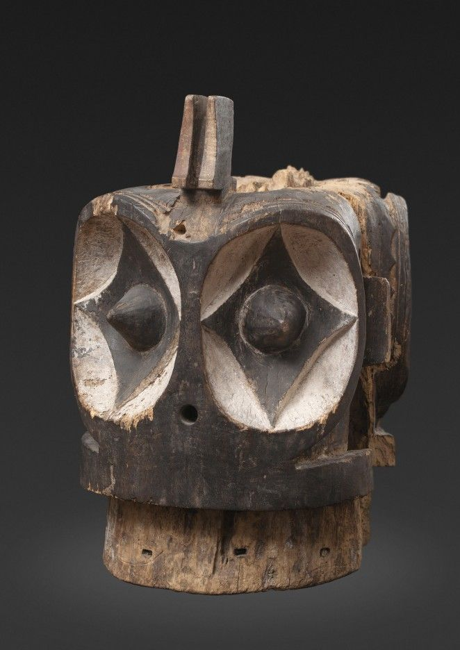Important Bembe Alunga mask, Democratic Republic of Congo | Alain Naoum – Antique African Art Gallery – Brussels