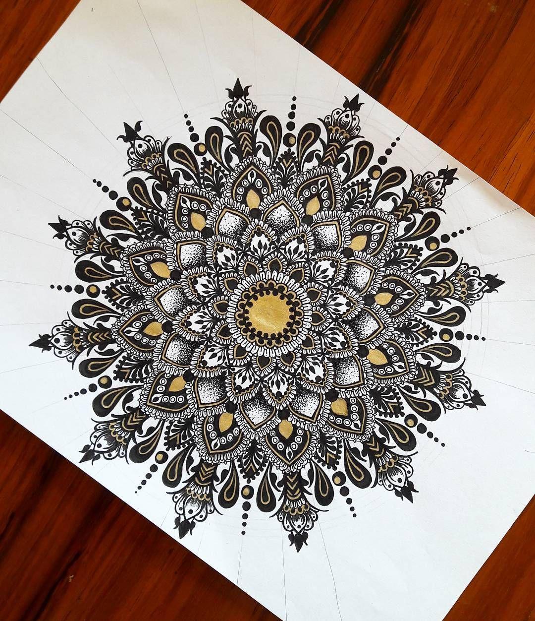 423 Likes 15 Comments Tasneem Abdulla Tasneem Abdulla On Instagram People Keep Saying My Mandalas Mandala Design Art Mandala Art Lesson Mandala Drawing
