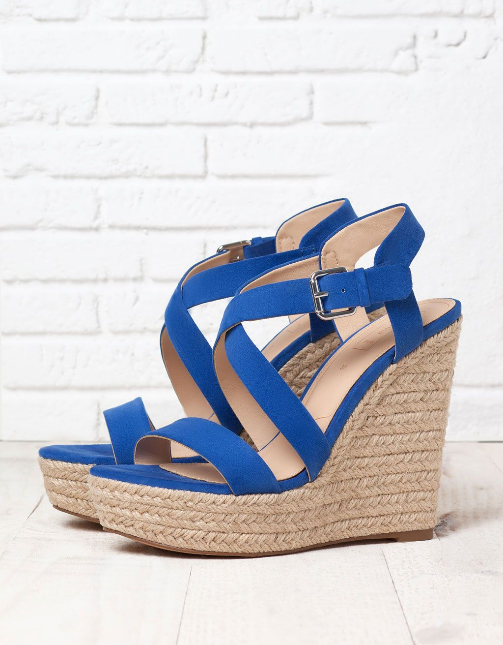 new product f410e a0ed3 Sandali con zeppa di corda blu #sandali #fashion #trend2015 ...