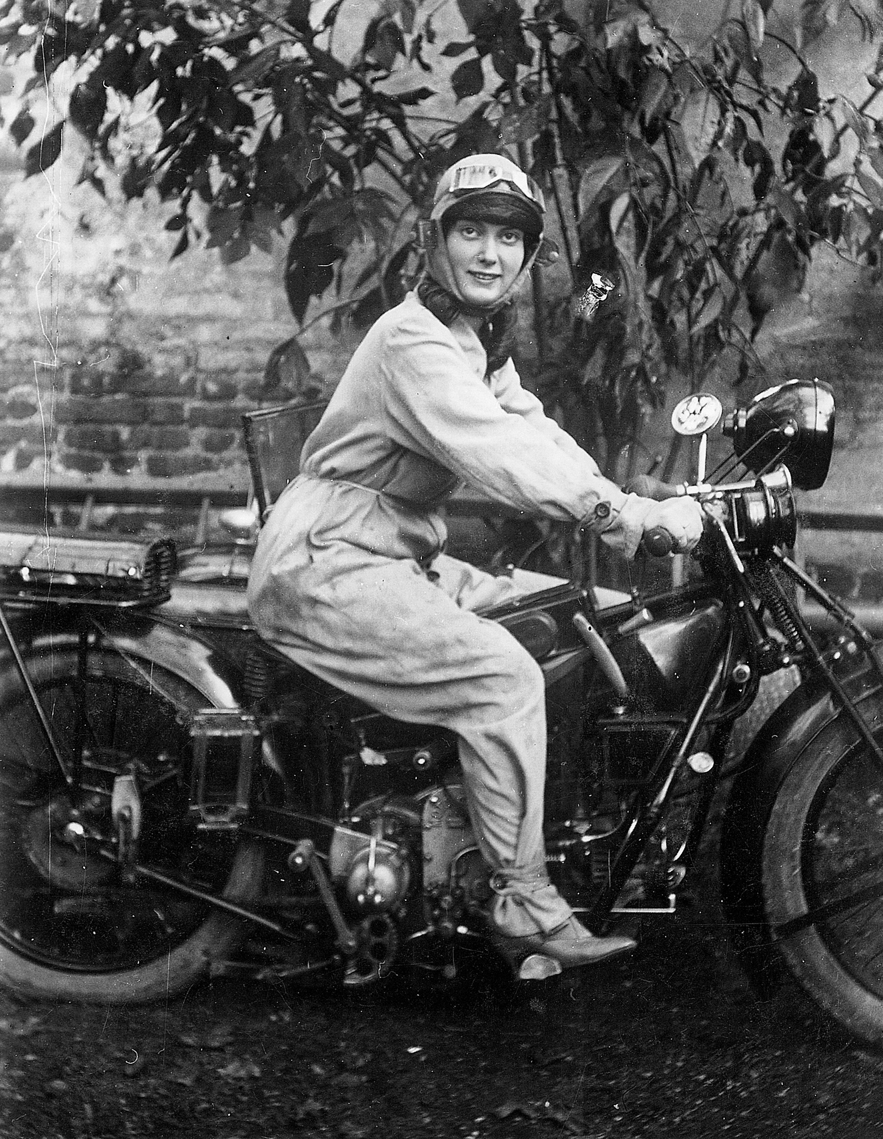 1945 – 350cc G3L Matchless motorcycle