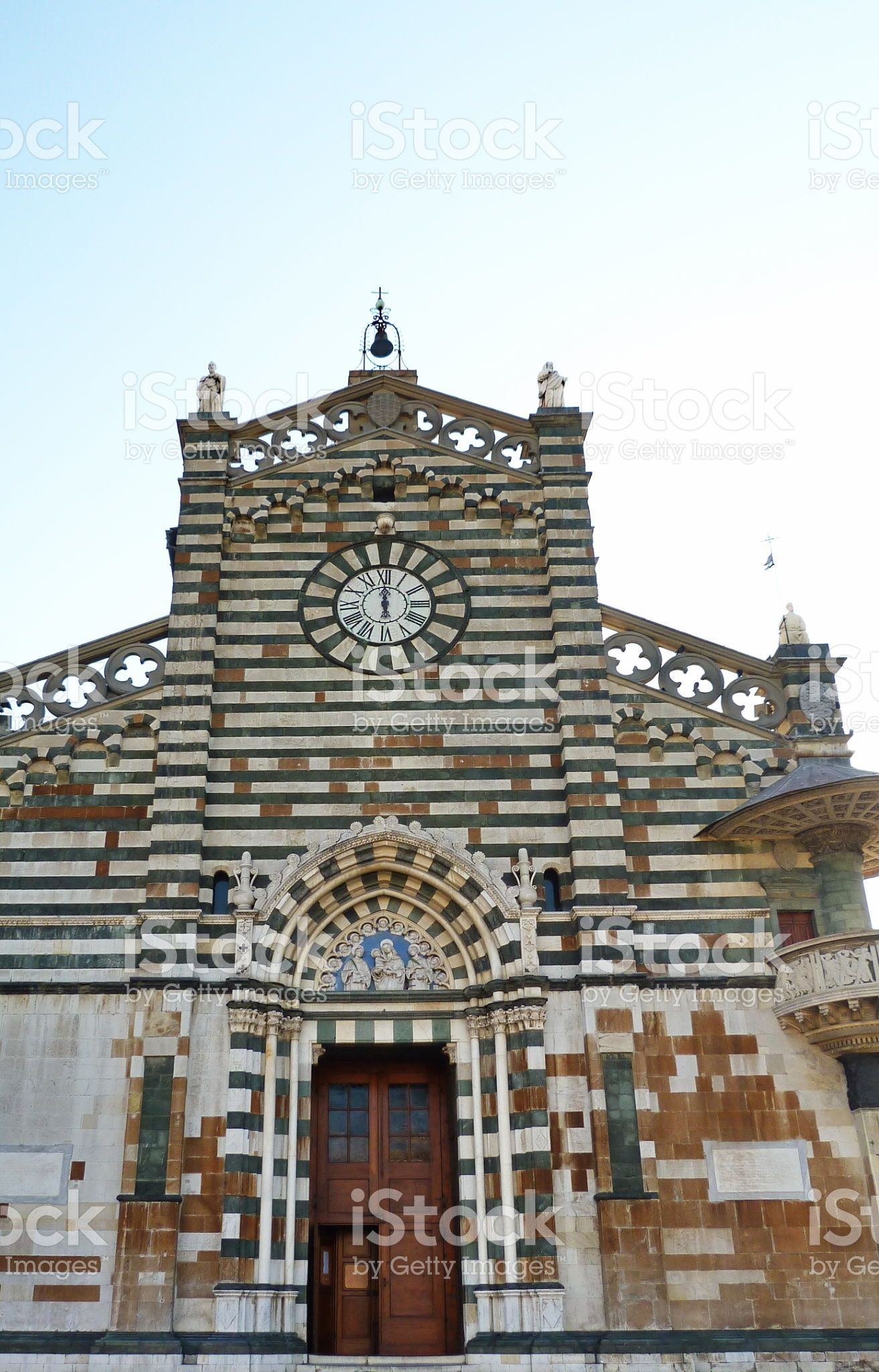 https://secure.istockphoto.com/photo/facade-of-the-cathedral-of-prato-tuscany-italy-gm544578696-97902483