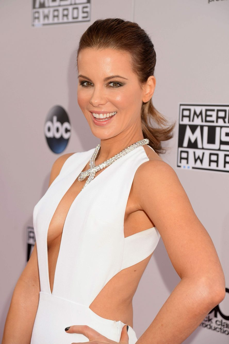 Watch Kate beckinsale cleavage video