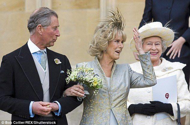 How Camilla Was Confident Flirty And Adored At Home Konigin Elisabeth Royale Hochzeiten Devot