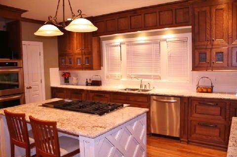 Quartersawn oak kitchen cabinets white island cabinets by specialty woodcraft www specialty