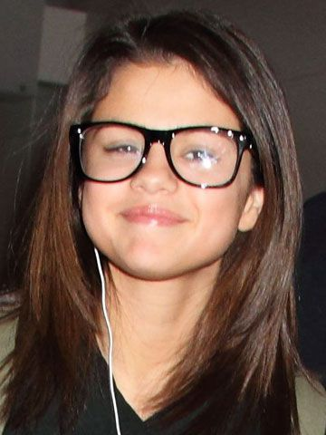 13 Celebrities Who Wear Glasses - Pictures of Celebrities ...
