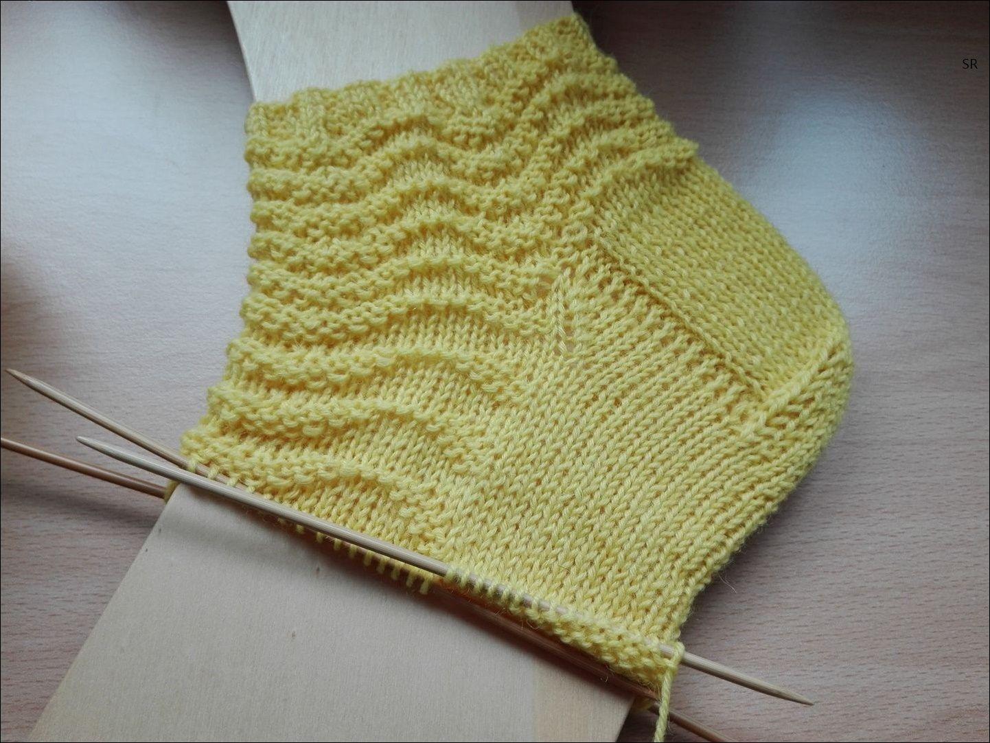 Photo of Gelbe Welle Doppelspitznadeln 2,5 Wolle aus Supergarnen 60 Gesamtstiche Größe …