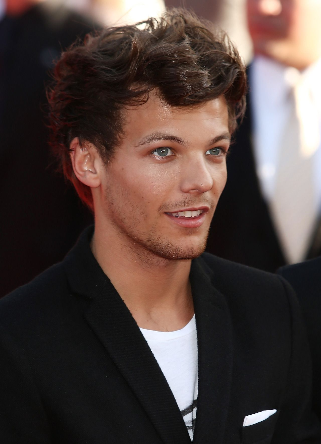 one direction updates and news | louis tomlinson | pinterest