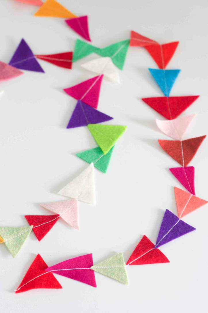 Felt triangle garland #coloreveryday