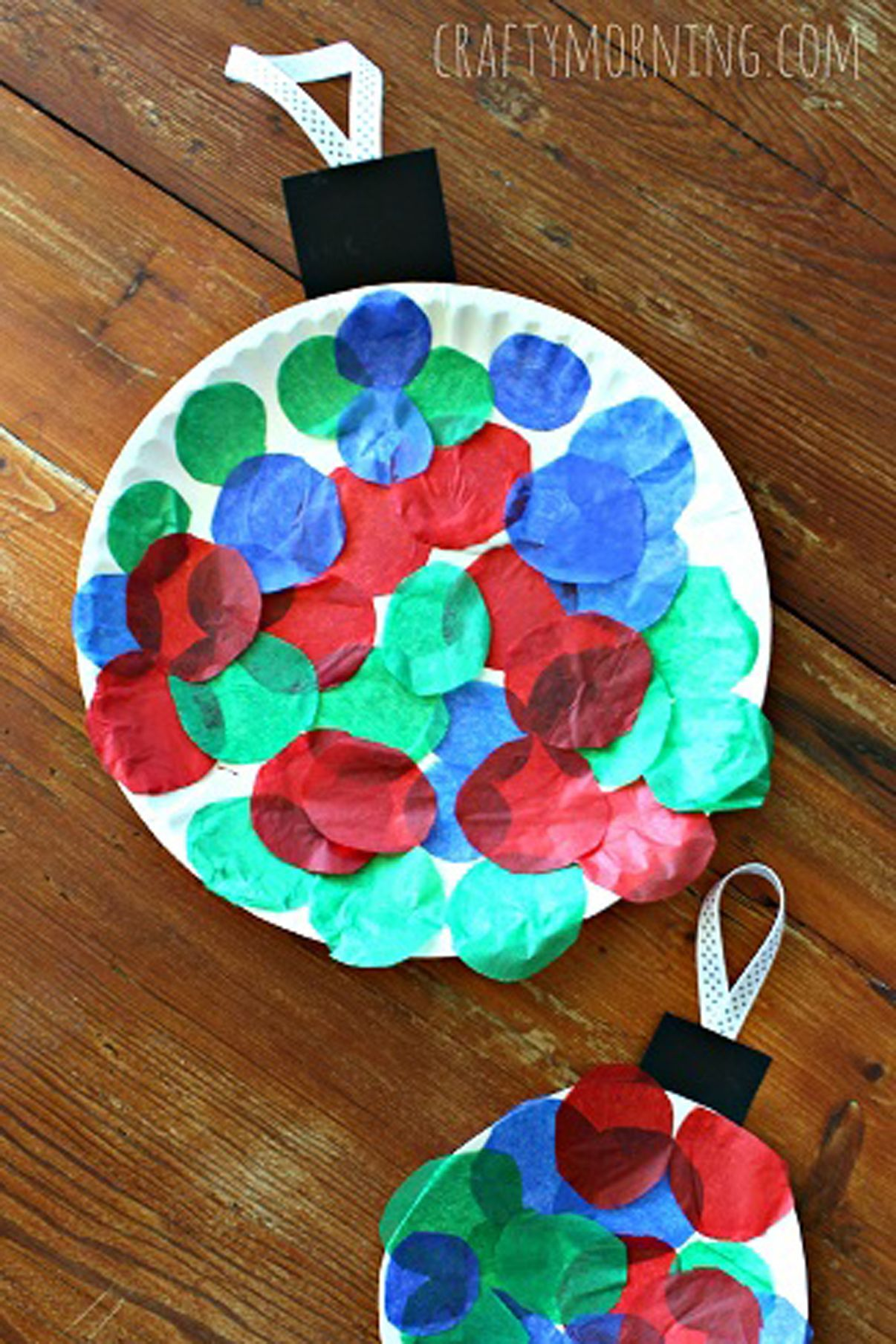 Make These Super Simple Christmas Crafts With Your Kids