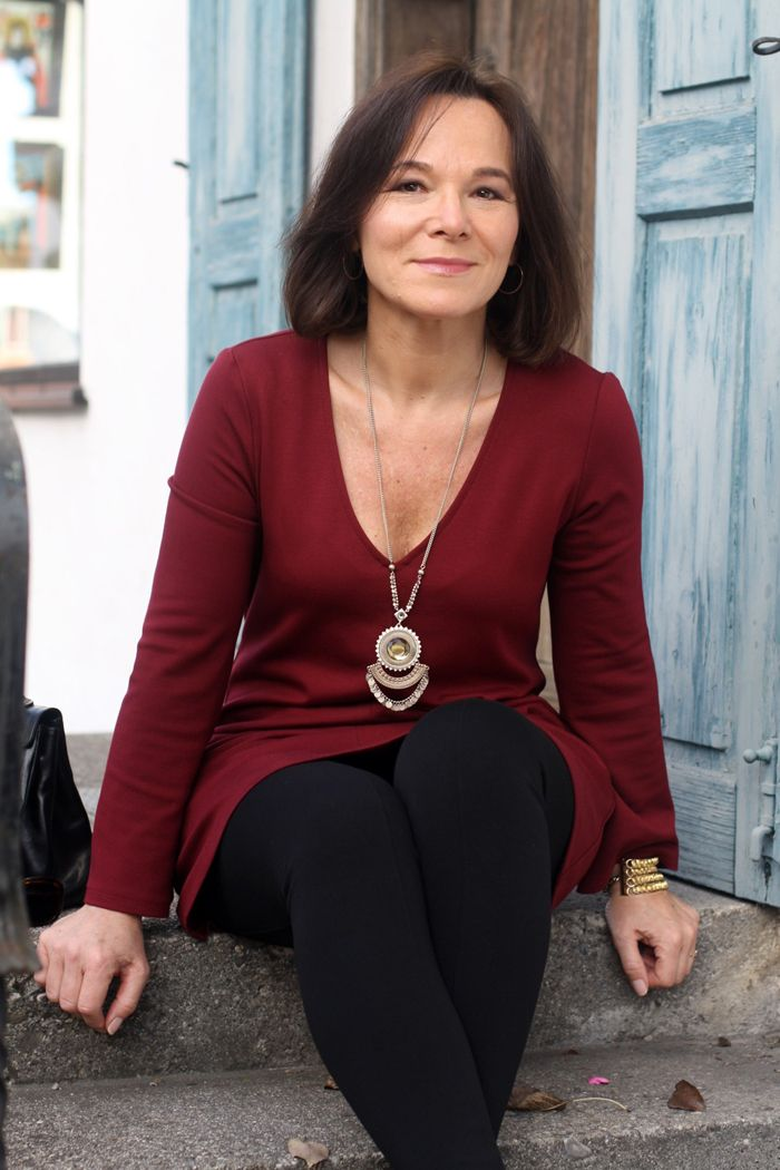 Casual chic weekend look in a burgundy tunic   Lady of