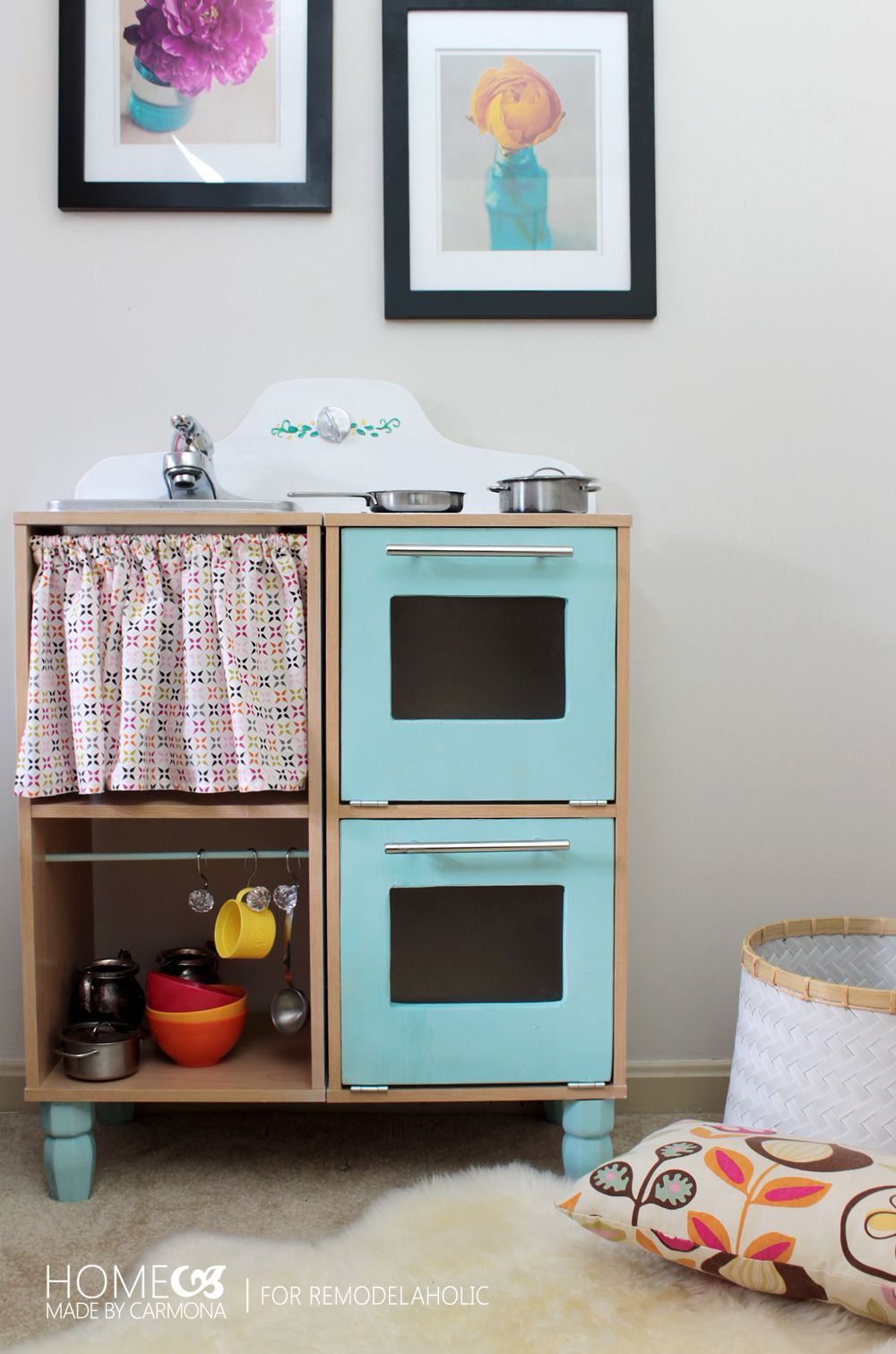 Seriously the CUTEST and easiest play kitchen ever. Easy DIY options ...
