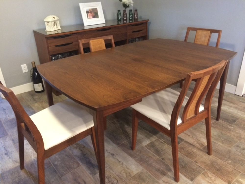 1960s Walnut Mid Century Modern Dining Table Leaf Chairs