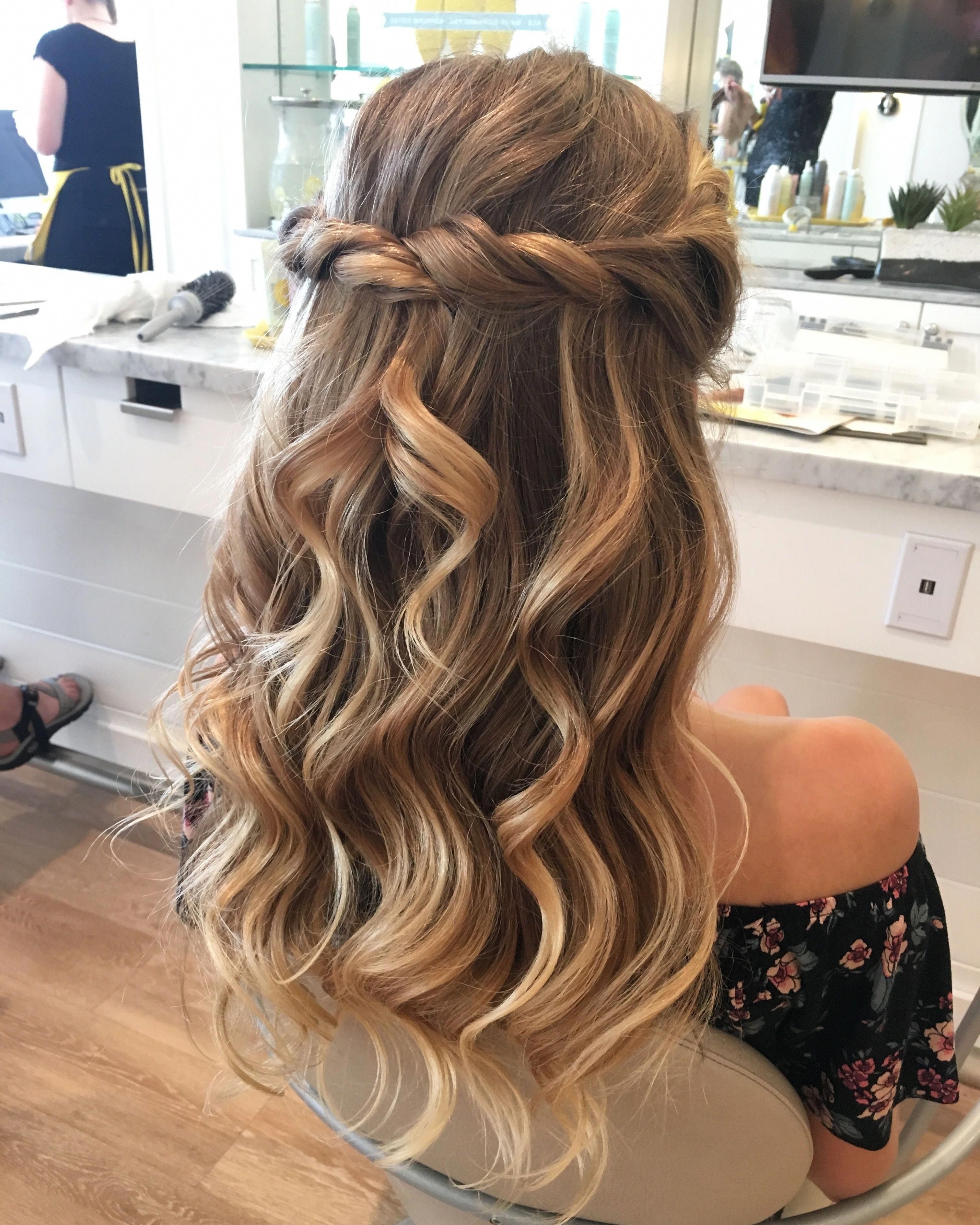 Fabulous All Down Prom Hairstyles Alldownpromhairstyles Bridesmaid Hair Long Bridesmaid Hair Half Up Bridesmaid Hair Medium Length Half Up