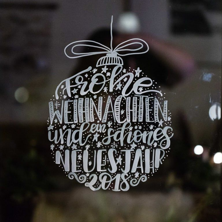 Lettering Weihnachtskugel Als Fensterbild Vorlage Mrsberry Kreativ Studio Fensterbilder Weihnachten Fensterbilder Vorlagen Weihnachten Schrift