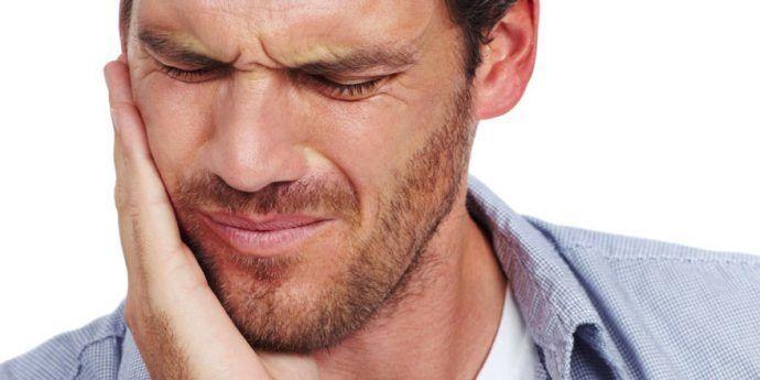 Comment traiter la douleur à la mâchoire?   Douleur à la ...