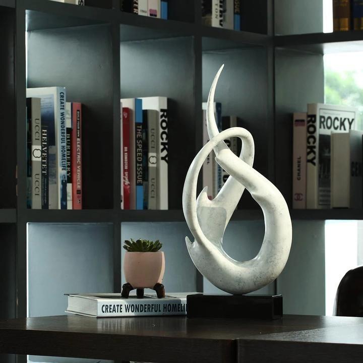 Photo of Skulptur Inredning Dekoration Figur till Vit och Ljusgrå Stil