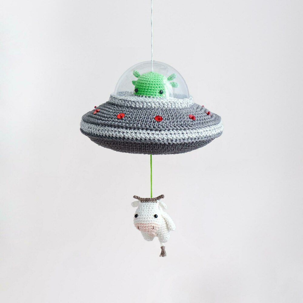 Lalylala Flying Saucer Musical Toy Crochet pattern by lalylala