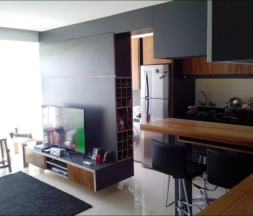 Execussao do projeto do meu amigo @spimparel usando muita #formica ! #interiores #woodwork #madeira #interiores #interioresdesign #arquiteturadeinteriores #marcenaria #moveissobmedida #moveis de reallucasguima