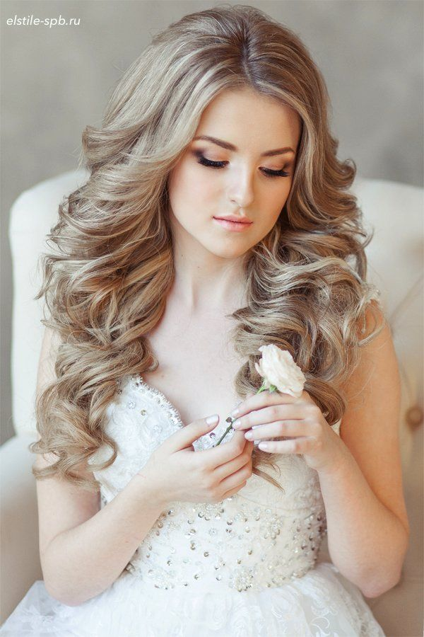 22 Bride S Favorite Wedding Hair Styles For Long Hair Long Hair Styles Wavy Wedding Hair Wedding Hairstyles