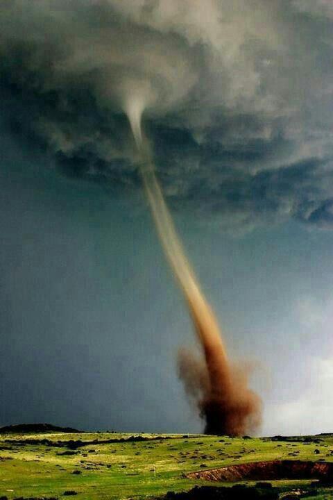 Duh tornado - misschien wel een nieuw onderwerp voor Duh? www.duhboekjes.nl