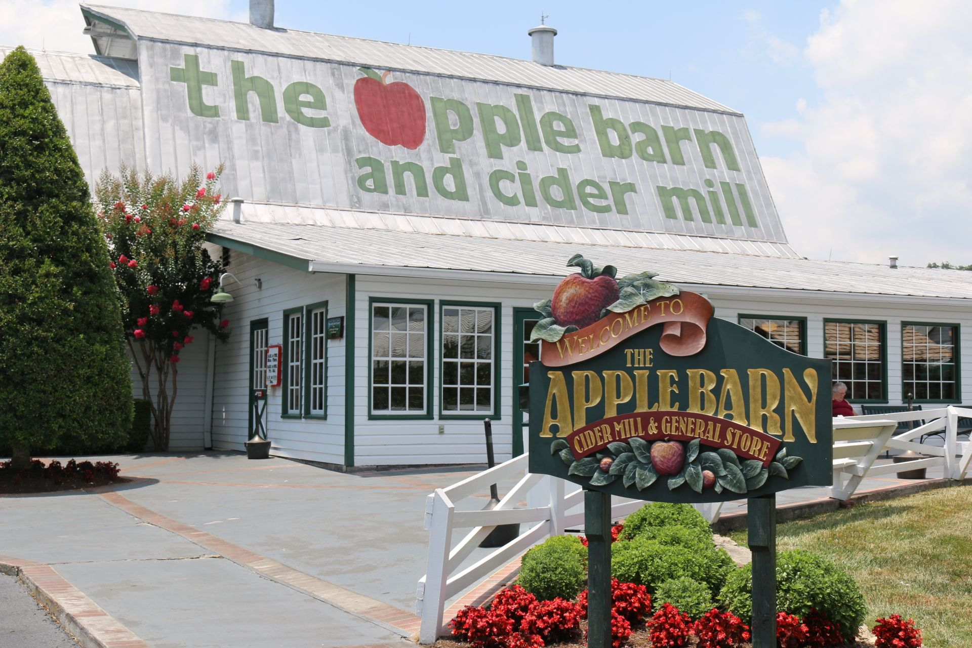 You can't visit Sevierville without stopping by the Apple ...