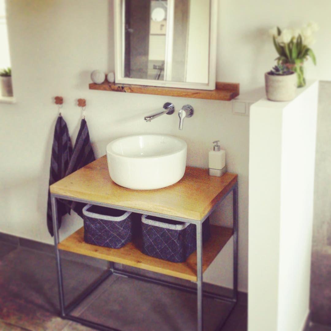Fertig Das Badezimmer Projekt Ist Abgeschlossen Der Waschtisch Besteht Aus Stahl Und Eiche Versiegelt Mit Hartwachssie Vanity Bathroom Vanity Bathroom