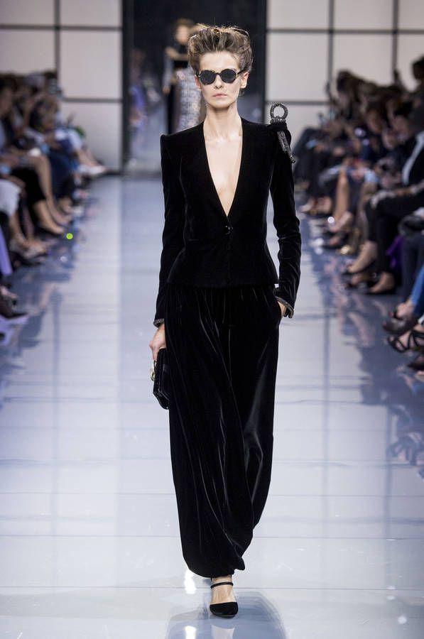 7f2be69aec3ca1 Défilé Giorgio Armani Haute Couture Automne-hiver 2016-2017 - Paris ...