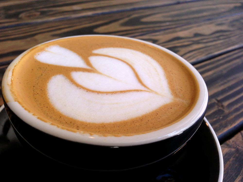 Almond Milk Cappuccino At Lord Windsor Roasters In Long Beach Coffee Photos Coffee Type Roaster