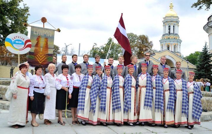 Парад вишиванок-2015 буде міжнародним - Folk Ukraine - міжнародний етнокультурний проект