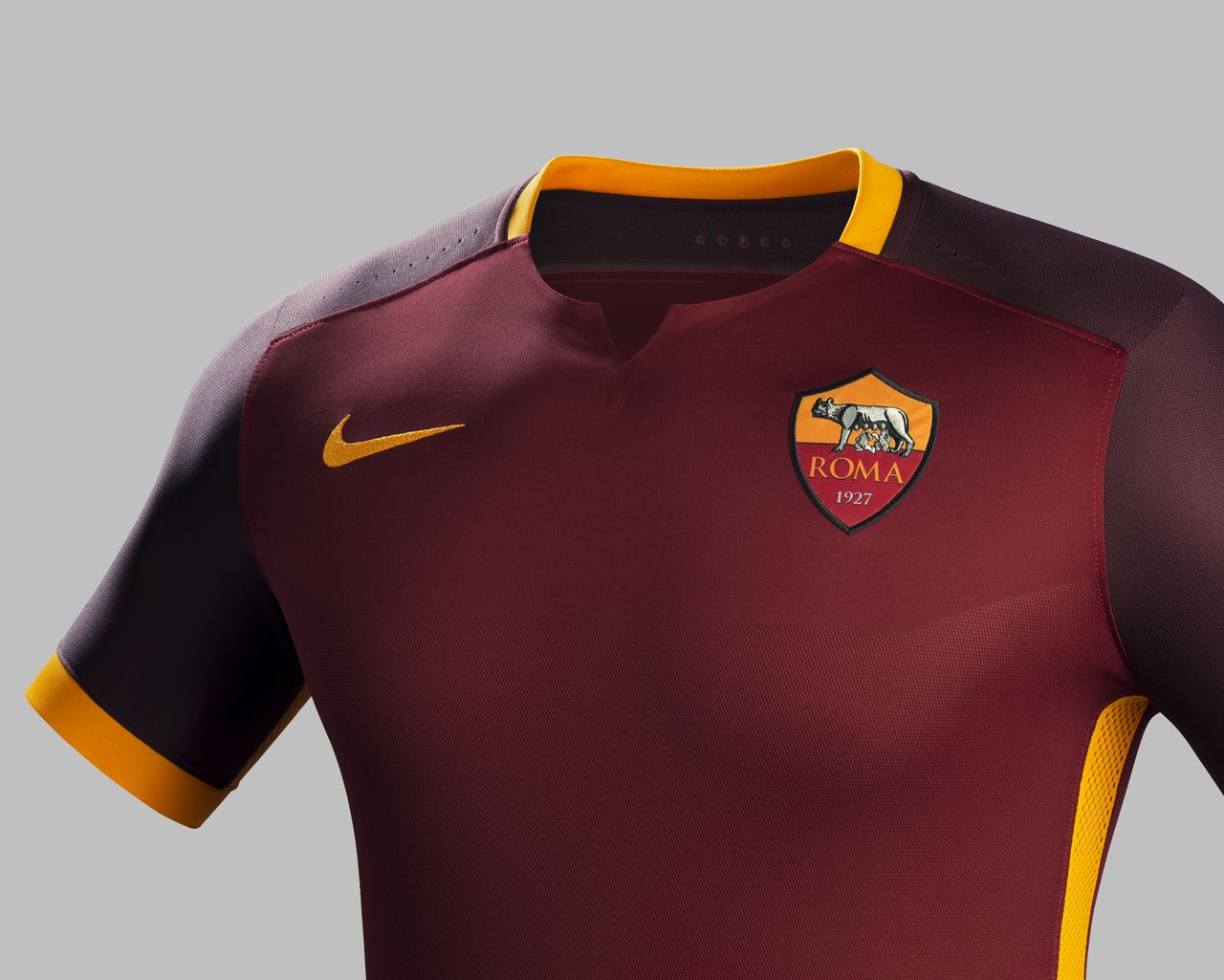e8ba347b37d AS Roma 15/16 Nike Home Football Shirt | 15/16 Kits | Football shirt blog