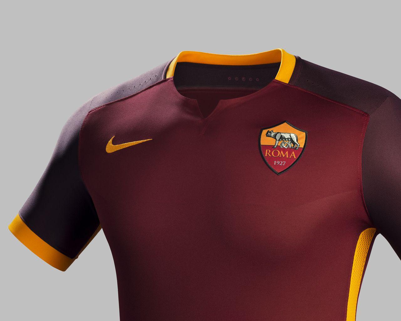AS Roma 15/16 Nike Home Football Shirt | 15/16 Kits | Football shirt blog |  Camisas de futebol, Futebol, Camisa