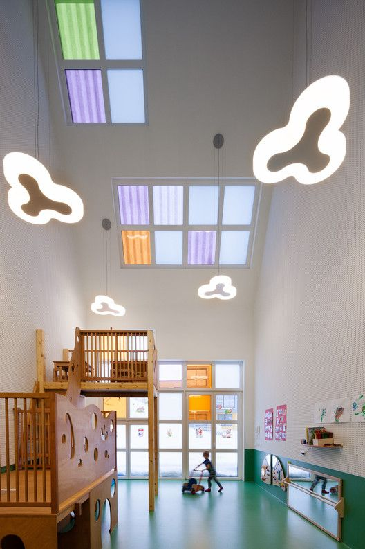 Childminders Centre (Haus der Tagesmütter) in Selb / TallerDE2 Arquitectos…