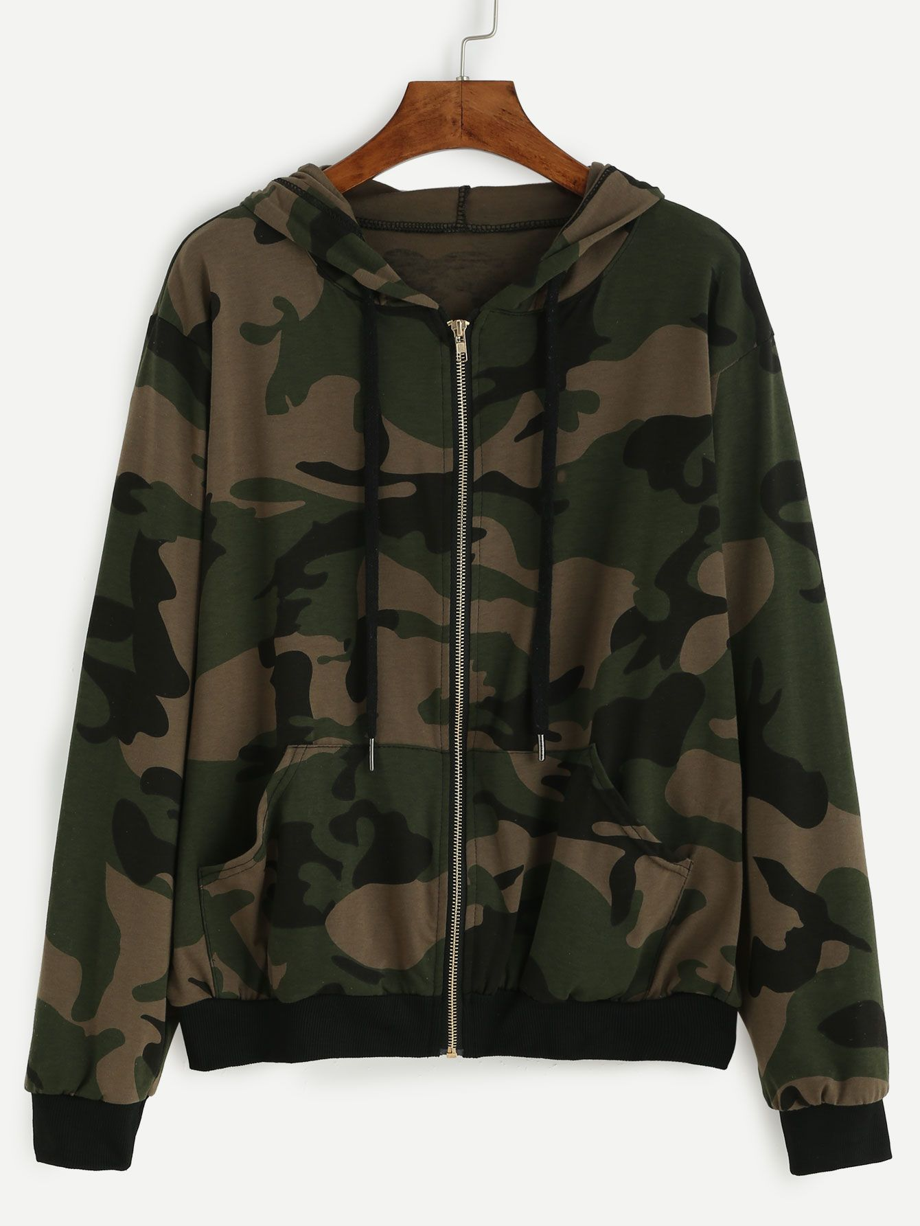 6f25ba0326ce4 Olive Green Camo Print Crop Hoodie ( 20) ❤ liked on Polyvore featuring tops