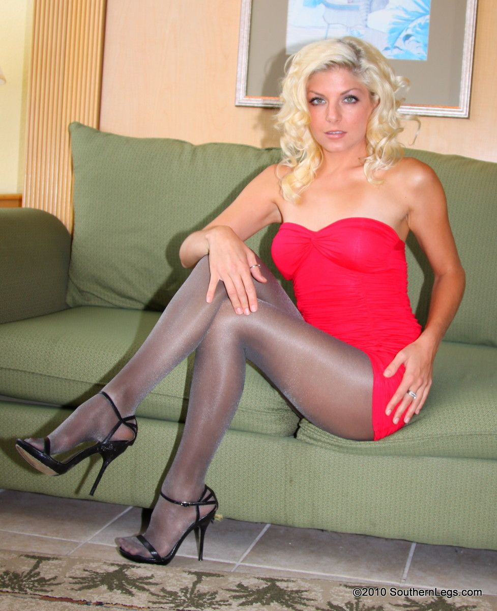 Are southern legs 2012 models in pantyhose have
