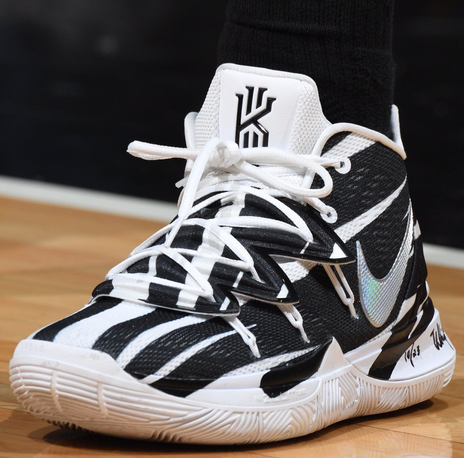 Irving shoes, Kyrie irving shoes