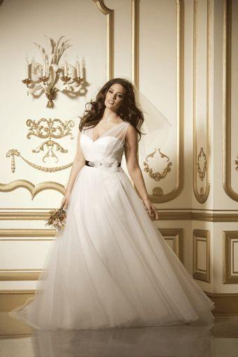 20 Gorgeous Plus-Size Wedding Dresses | Wedding dress, Wedding dress ...