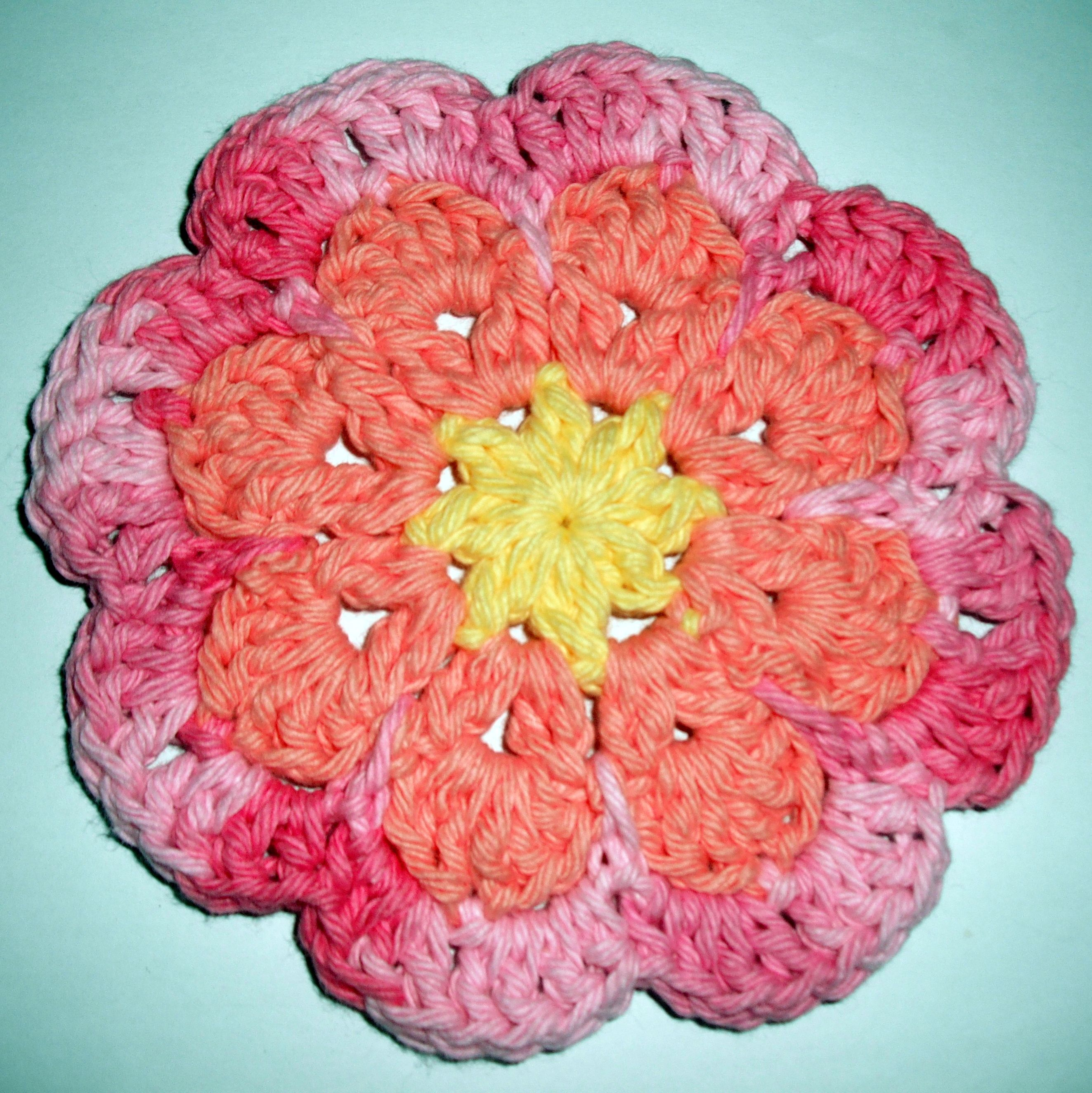 Large flat flower motif coaster free crochet pattern by jessie at large flat flower motif coaster free crochet pattern by bankloansurffo Images