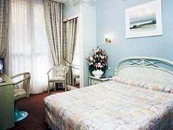 macmahon_paris_room.