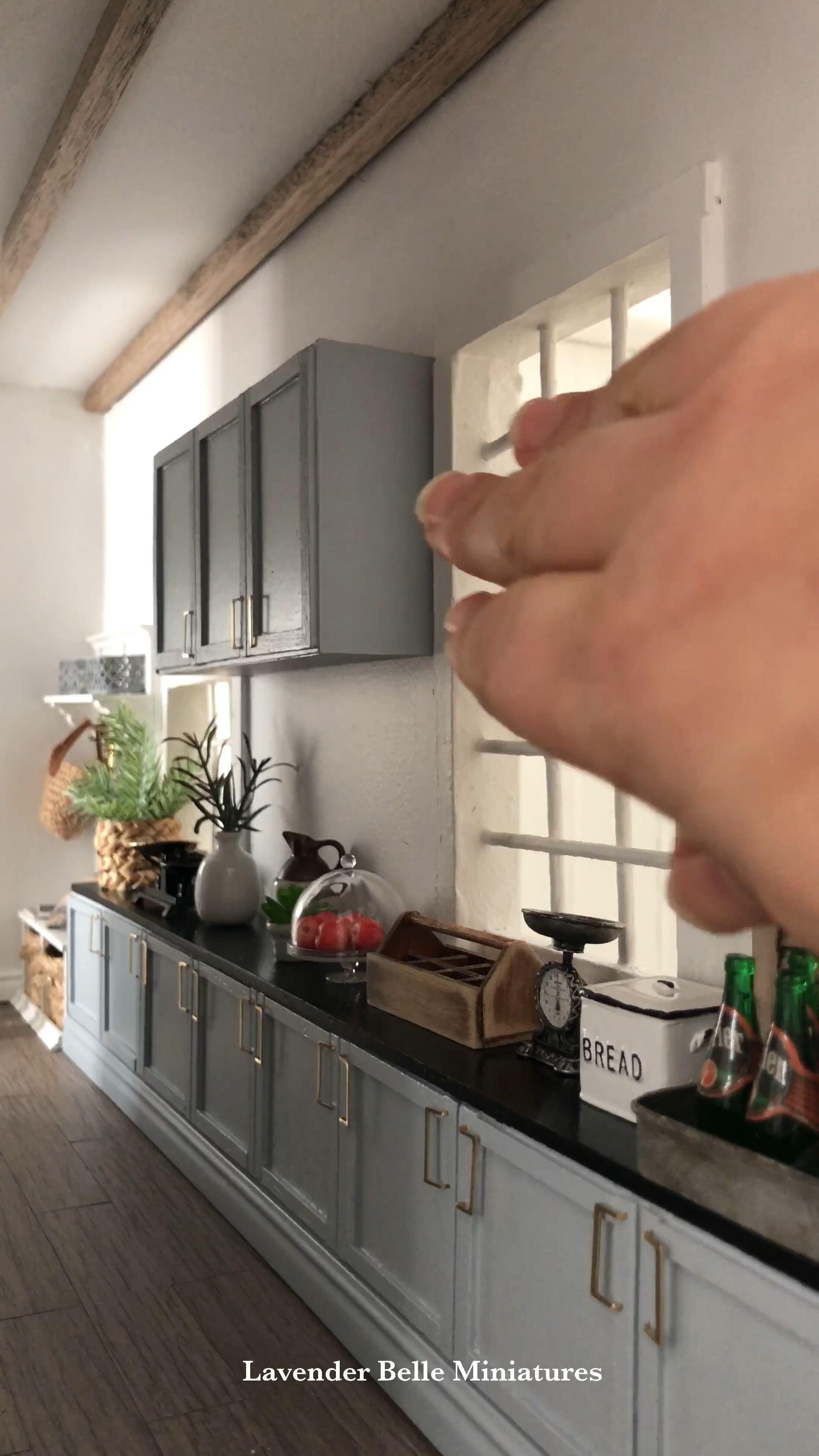 Last Kitchen Cabinet Fitted In Willowbridgehouse Dollhouse Miniatures 1 12 Scale Miniaturekitchen Last In 2020 Dolls House Interiors Miniature Kitchen Miniature Diy
