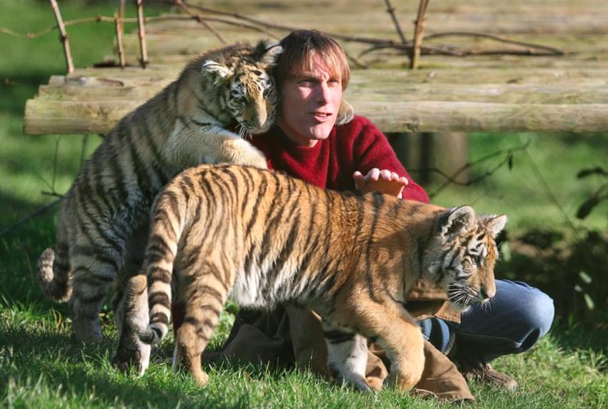 Is It Time To Shut Down The Zoos Wild Animal Park Animals Wild Animals