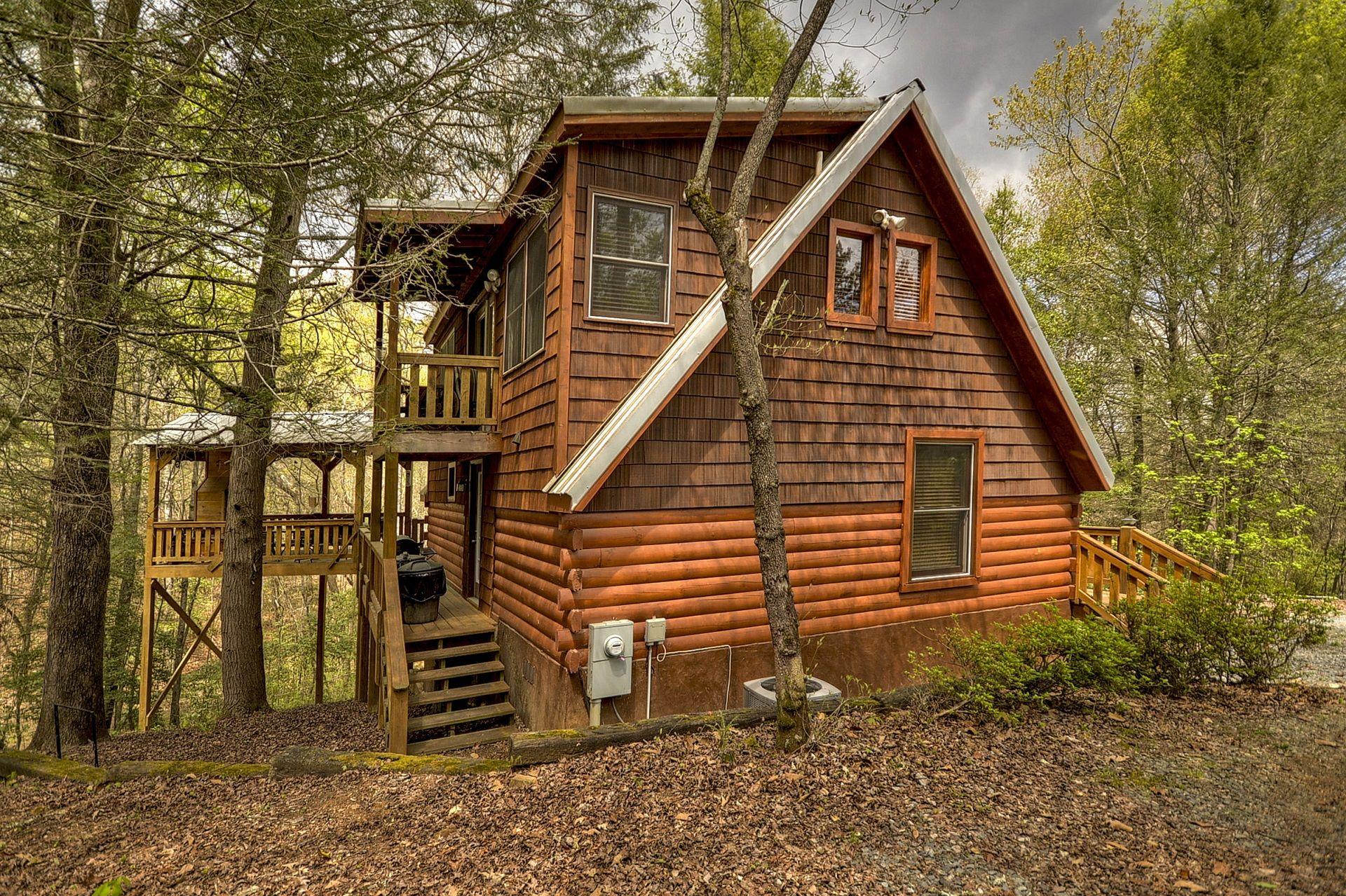 Broken Arrow Lodge Hot Tub Outdoor Living Area Wifi 10 Minutes To Ocoee Rafting And Blue Ridge Blue Ridge Cabin Rentals Georgia Cabin Rentals Georgia Cabins
