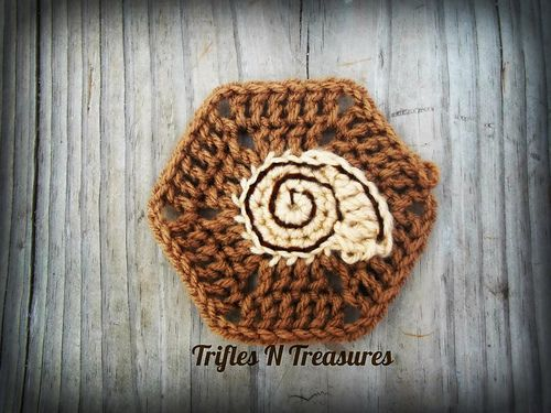 Ocean Hexi #5 is the Seashell Hexi! A great addition to our ocean themed hexagon series, and a great stashbuster project!