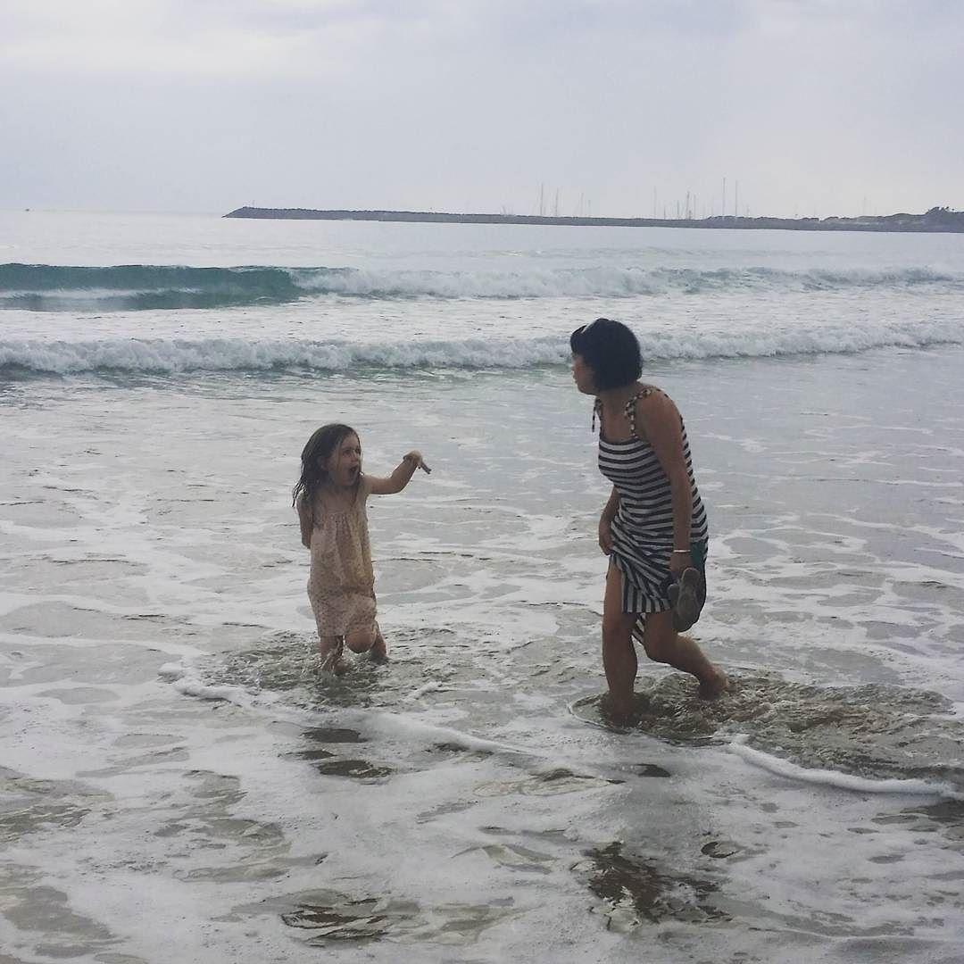Girls just wanna have fun! Especially when it's hot #beachbabes #girlsjustwannahavefun #coolingoff #apollobay #heatwave #beachfun by alexandraaxford http://ift.tt/1LQi8GE