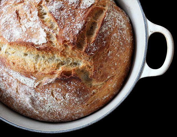 Det begynner å bli noen år siden jeg bakte mitt første eltefrie grytebrød og det har nok blitt et par hundre brød siden den gang. Det som er gøy med eltefrie grytebrød er at det først og fremst er ...