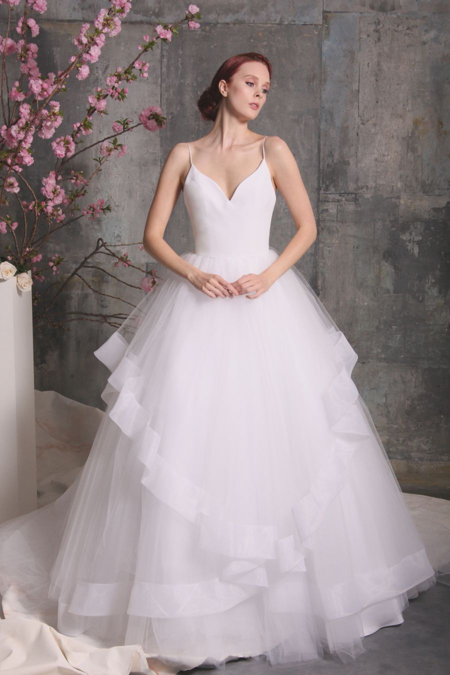 Christian Siriano S Romantic Spring 2018 Collection Has A Dress For Every Bride Christian Siriano Wedding Dresses Wedding Dresses Strapless Bridal Collection