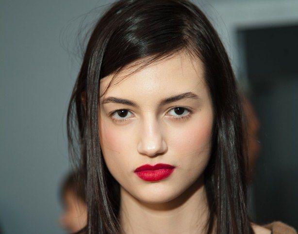A misturinha: Batom Gabrielle, da Chanel + Lipmix vermelho, da MAC.  Resultado? cobertura total dos lábios,com textura aveludada, sequinha e cor super intensa.