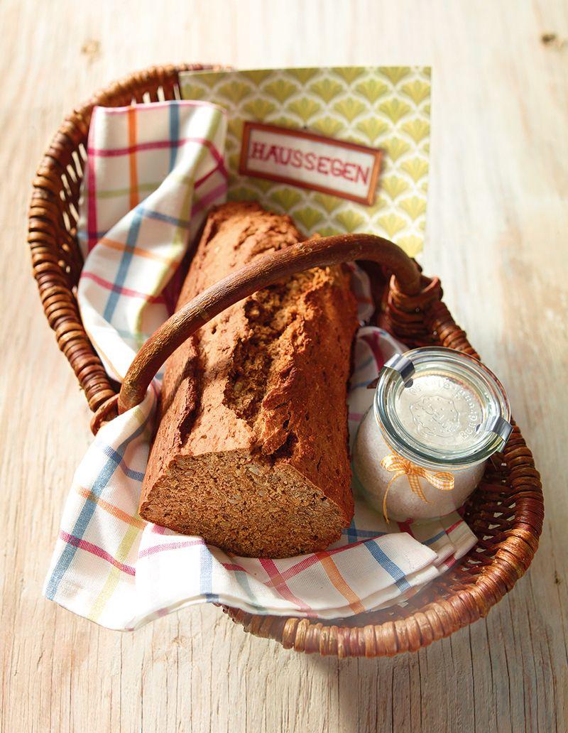 Westfalisches Schwarzbrot Rezept Brot Und Salz Schwarzbrot Brot Und Salz Einzug