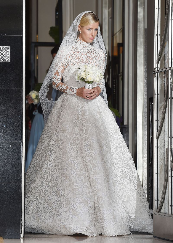 Valentino wedding dress  Gaze Upon Nicky Hiltonus K Valentino Wedding Gown  Valentino